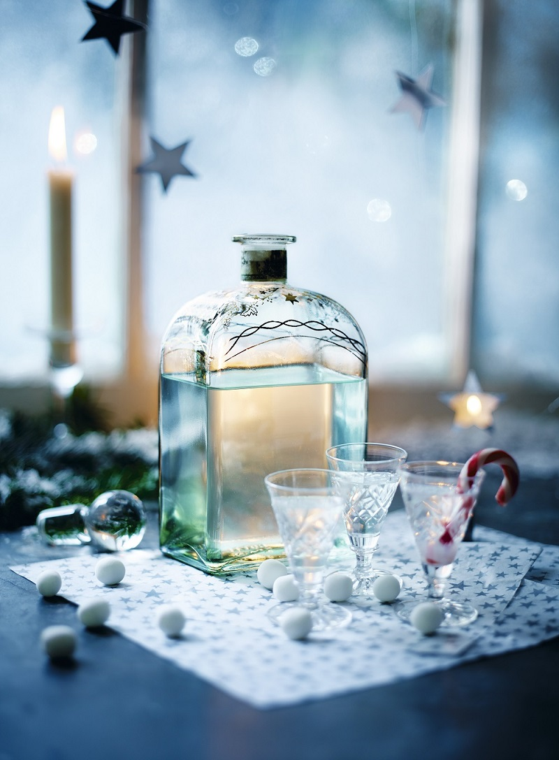 How To Make Peppermint Vodka: Christmas Parties