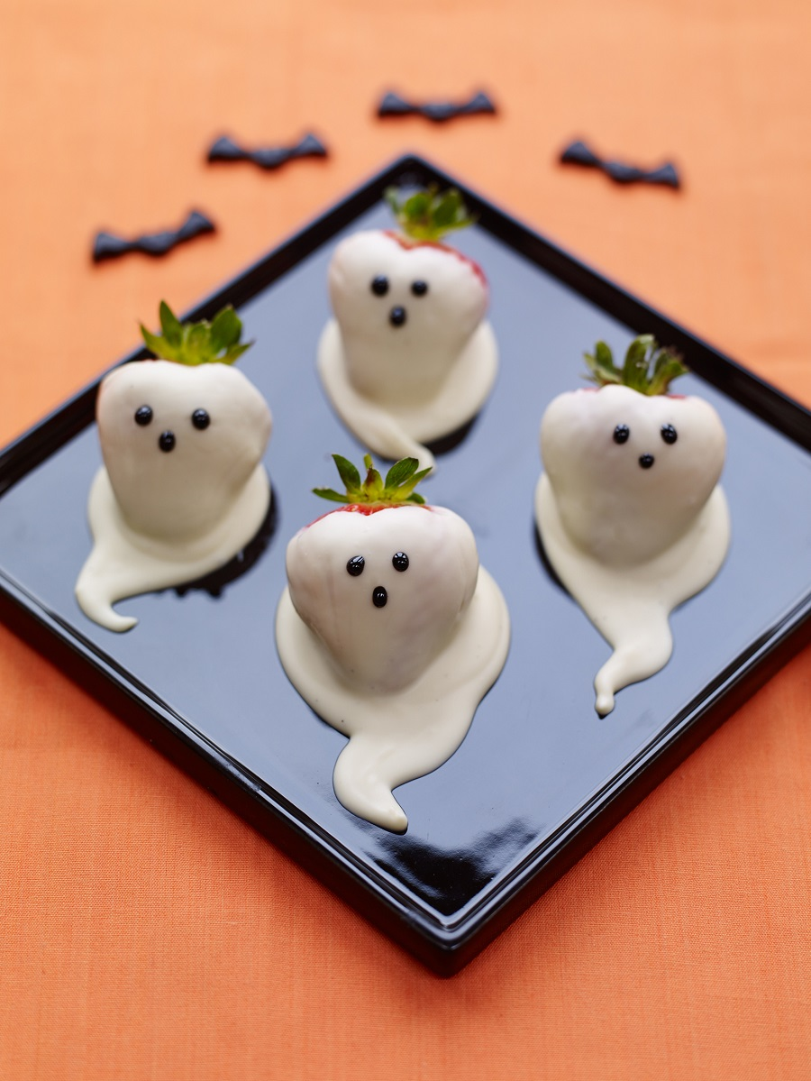 Halloween BerryWorld Strawberry Ghosts: How To