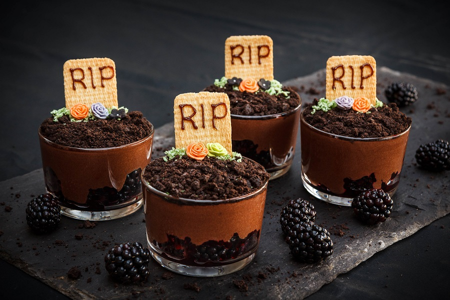 How To Make Halloween Berry Heavenly Graveyard Puddings