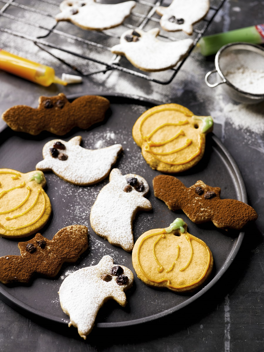 Homemade Halloween Biscuits: Spooky Fun