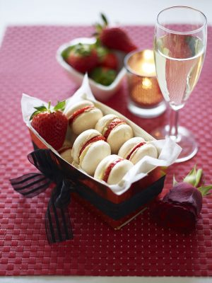 BerryWorld Strawberry and Almond Macarons: How To