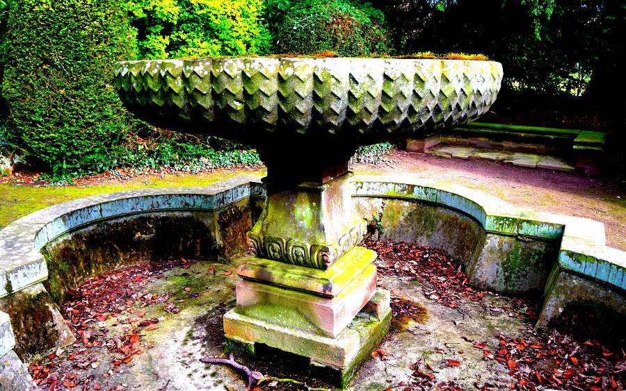 Newstead Abbey: Rose Garden Fountain