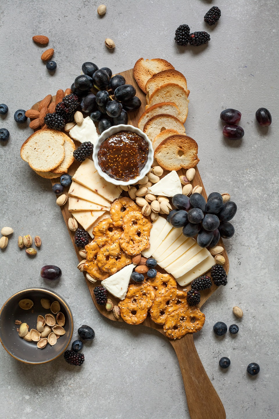 How To Create An Instagram-Worthy Cheeseboard: