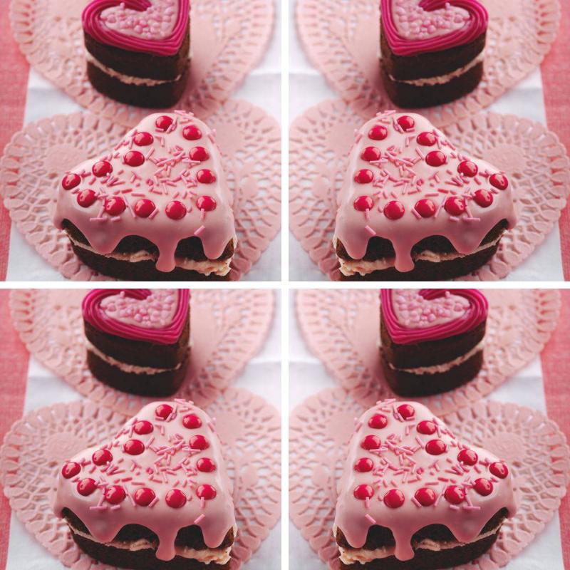 Mini Heart-Shaped Chocolate Cake: Valentine's Day Cakes
