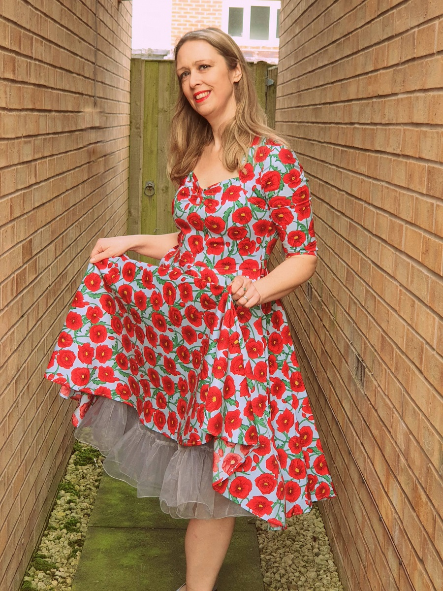 A Poppy Swing Dress That Never Goes Out Of Style