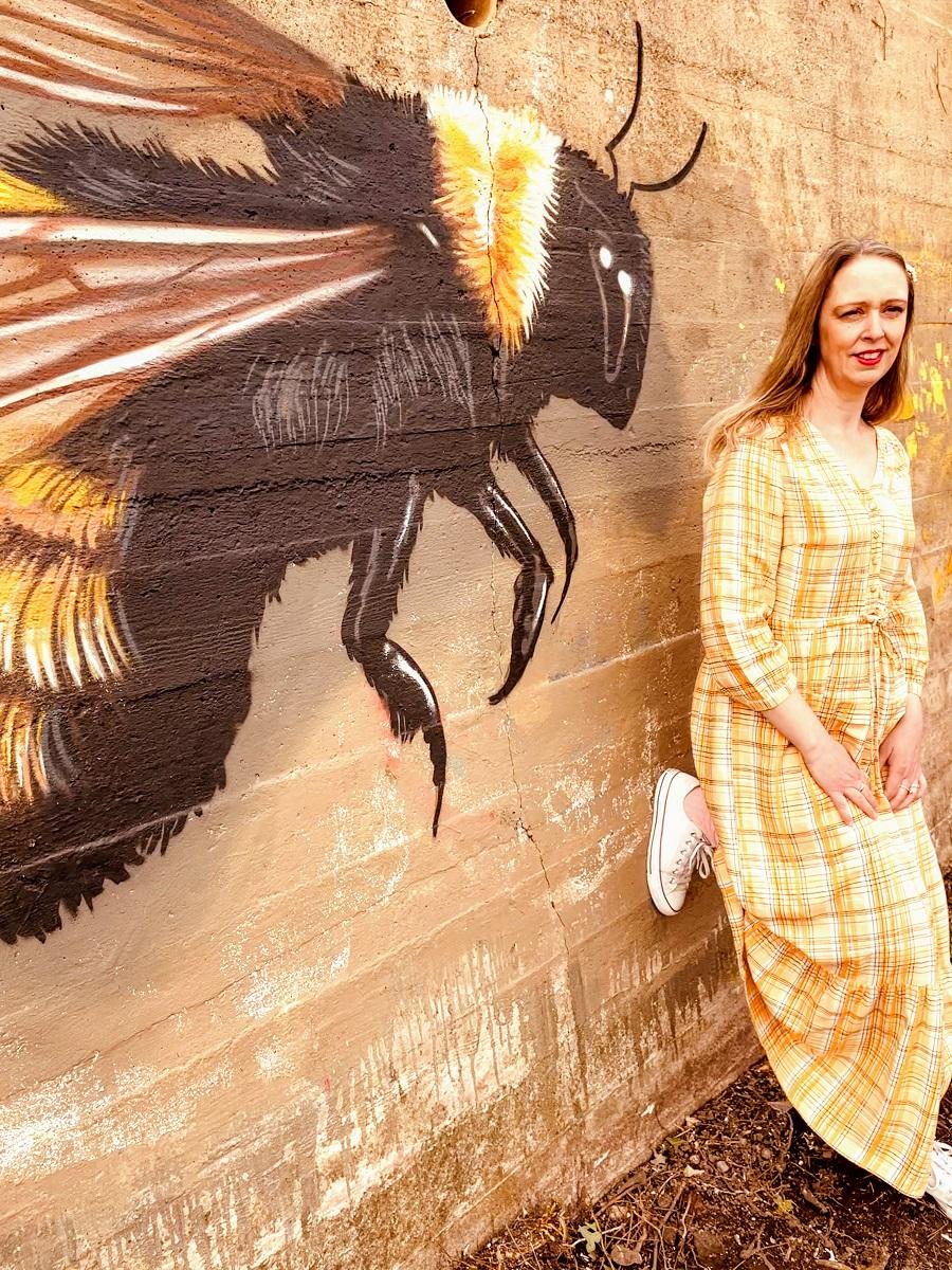 Bee Kind, Bee Honest, Bee Positive, Bee Happy, Bee Grateful, Bee You.