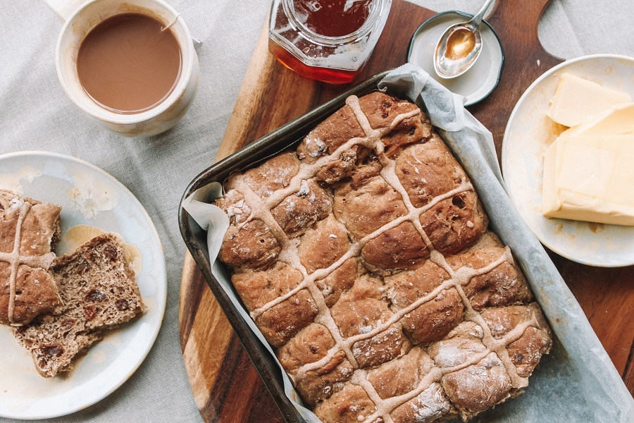 7 Hot Cross Bun Recipes To Make Today And Celebrate