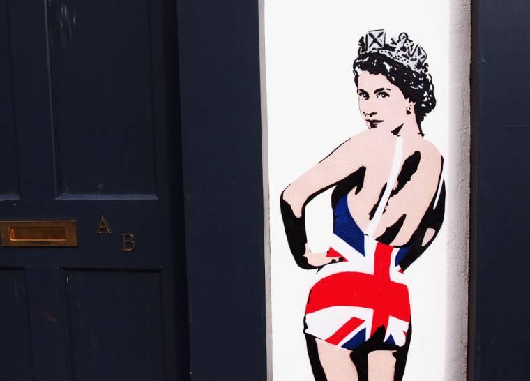 The Queen: Blue Mondays & London Street Art